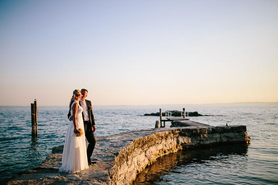 Matrimonio Spiaggia Lago Di Garda : Intimo matrimonio sul lago di garda maria martus foto
