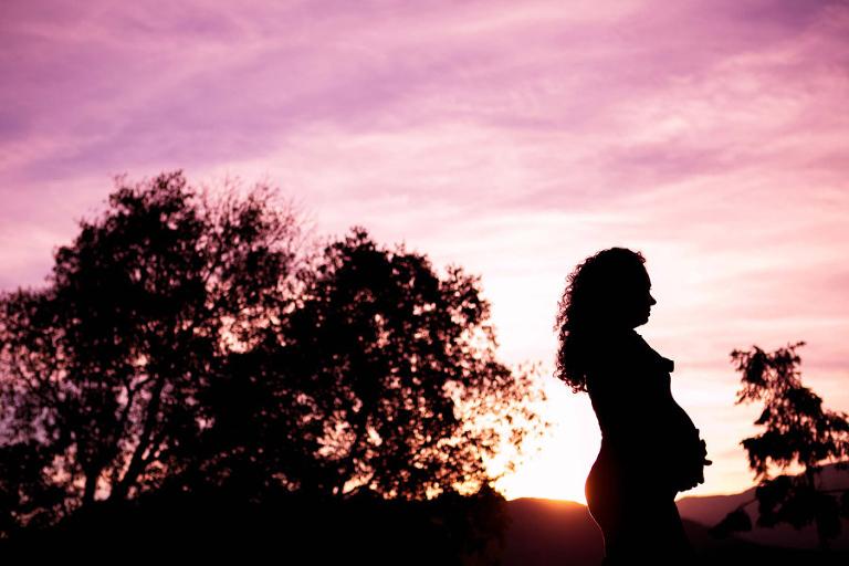 fotografo ritratto di maternità Bolzano