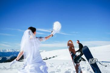 snowbord trash the dress dolomiti fotografo matrimonio bolzano corno del renon